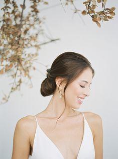 Artistic + Minimal Wedding Inspiration – The White Wren Minimal Wedding, Wren, Minimalism, Wedding Inspiration, Artist, Photography, Fashion, Moda, Photograph