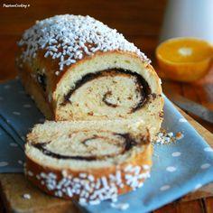 Pan brioche ripieno con cioccolato e arance, preparato con lievito madre  http://blog.giallozafferano.it/passionecooking/pan-brioche-ripieno-al-cioccolato/