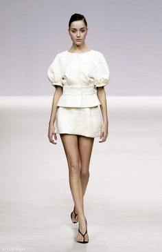 le-look:  RUNWAY LOVE: Volume, texture and structure @ Dice Kayek.
