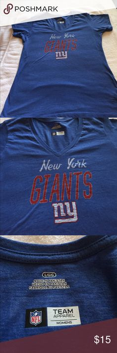 New York Giants vneck tshirt SZ large NEW without tags!! NFL Tops Tees - Short Sleeve