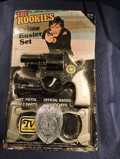 The Rookies Cops TV 1970's Show Toy Badge Dart Pistol Handcuffs Play Set On Original Card Cops Tv, Badges, Gifts For Him, Vintage Items, Crime, Auction, Unisex, The Originals, Cool Stuff