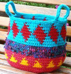 https://flic.kr/p/h3wv3e | Basket No 2 | Crocheted basket using yarn and fabric