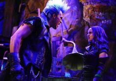 Mal e Hades Descendants Wicked World, Disney Channel Descendants, Descendants Cast, Descendants Videos, Hades, Disney Channel Movies, Disney Movies, Ghostbusters, Kenny Ortega