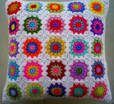 Crochet Art: Crochet Pillow Pattern Free - Decorative Pillows
