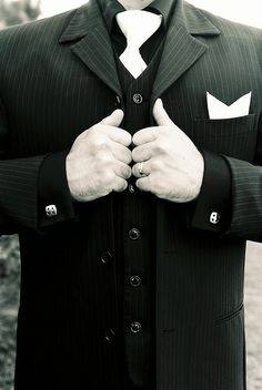 ::Possible suit for Steven? It's simple, elegant, and ever so tasty::