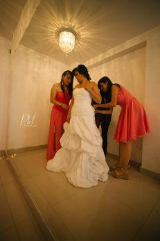 Wedding prep - Wedding Photography -- Fotografía de bodas- Bolivia ©Pankkara Larrea 2016 pklfotografia.com/