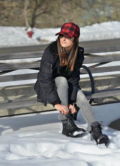 Best in Snow | UGG Australia | Adirondack snow boots, winter weather outfit, winter fashion, winter style, winter outfit ideas, fashion blogger #tobebright