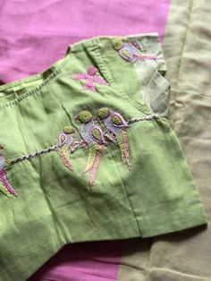 Khadi cotton saree with blouse Cotton Saree Blouse Designs, Saree Blouse Patterns, Kurti Patterns, Khadi Saree, Sarees, Churidar Designs, Stylish Blouse Design, Blouse Models, Fashion Design Sketches