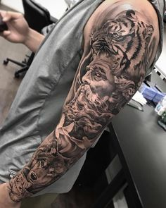 Wolf tattoos continue to be one of the most popular tattoo ideas for men. With many meanings, some men choose a wolf tattoo because it symbolizes power, strength, freedom, and raw…View Wolf Tattoos Men, Tattoos For Guys, Cool Tattoos, Mini Tattoos, Fake Tattoos, Beautiful Tattoos, Temporary Tattoos, Zeus Tattoo, Lion Cub Tattoo