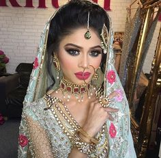 TOP Best Viral Eye Makeup 2018 and New Bridals Makeup beauty ful eye makeup Asian Bridal Makeup, Indian Wedding Makeup, Indian Makeup, Bridal Hair And Makeup, Indian Beauty, Hair Makeup, Eye Makeup, Pakistani Wedding Outfits, Pakistani Bridal Wear