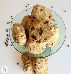 Soft chewy coconut flour chocolate chip cookies - one of few coconut flour recipes I've seen that can be made #vegan