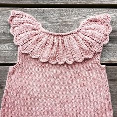 Knitting For Kids, Baby Knitting Patterns, Knitting Projects, Hand Knitting, Crochet Baby, Knit Crochet, Lace Collar, Crochet Crafts, Baby Dresses