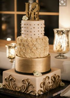 Pastel dorado boda
