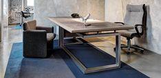 Vara - Tecnoのエグゼクティブオフィスデスク、デザイナー Norman Foster