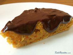 Aprenda a preparar bolo de cenoura vegano com esta excelente e fácil receita.  Além de delicioso, o bolo de cenoura vegan do TudoReceitas.com é também muito saudável...