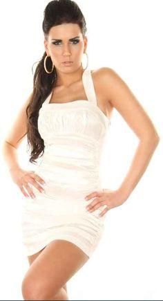 Vestido Corto Desire Moderno, romántico y sensual. Un vestido especial para una cita especial. Un sexy vestido corto de fiesta con un escote discreto y elegante. Resaltará las curvas de tu cuerpo al máximo y atraerá todas las miradas. Un vestido ajustado que no dejará indiferente a nadie.