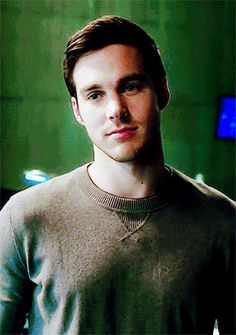 """phebobuffay: """"""""i think you'll find that j'onn is a lot more than just a pretty face. """" """""""