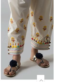 Pajama Pants Pattern, Salwar Pattern, Salwar Neck Designs, Fashion Pants, Fashion Dresses, Different Dresses, Short Tops, Easy Crochet, Daily Wear