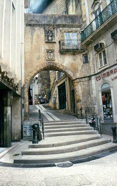 Coimbra Portugal http://urban.csuohio.edu/~sanda/pic/travel/portugal/coimbra/coimbra70204.jpg