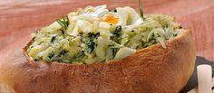 Receita de Pão recheado com bacalhau e espinafres. Descubra como cozinhar Pão recheado com bacalhau e espinafres de maneira prática e deliciosa com a Teleculinaria!