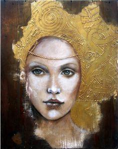 "Photo from album ""Художница Angela Betta Casale. L'art Du Portrait, Portraits, Art Du Collage, Art Visage, Betta, Gold Leaf Art, Drawn Art, Klimt, Art Et Illustration"