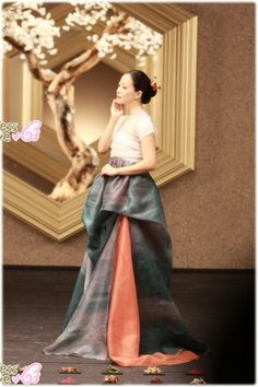 Kim Hee Sun dịu dàng trong trang phục Hanbok - Kênh 14