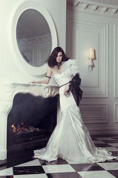 KAREN WILLIS HOLMES - Couture Wedding gown - Maddison