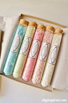 How to Make Homemade Bath Salts with color and essential oils. Great gift idea for birthdays, Mother's Day, or Teacher gifts