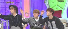 Hello Counselor, Baekhyun imitating a motorcycle. EXO's Chanyeol, Baekhyun, and Chen along with Red Velvet's Yeri and Joy Exo Chanyeol, Kpop Exo, Kyungsoo, Exo Chen, K Pop, 5 Years With Exo, Kim Jong Dae, Kim Minseok, Korean Entertainment