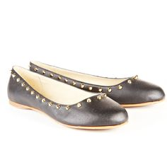 Reneu ballerina style flats made with memory foam insole for extra comfort!