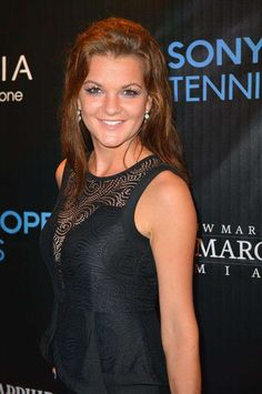 Agnieszka Radwańska is listed (or ranked) 52 on the list Female Tennis Players That Put Love On Your Mind Tennis Videos, Tennis Lessons, Tennis World, Professional Tennis Players, Fit Black Women, Tennis Players Female, Tennis Match, Tennis Fashion, Tennis Stars