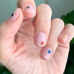 Cute Nail Art, Cute Nails, Pretty Nails, Nail Art Dots, How To Nail Art, Pretty Short Nails, Minimalist Nails, Spring Nail Art, Spring Nails