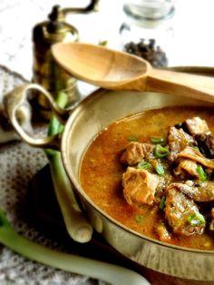 Szellem a fazékban: Alapragu - bármilyen zöldséggel kiegészíthető Thai Red Curry, Ethnic Recipes, Food, Lenses, Essen, Meals, Yemek, Eten