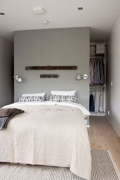 Best walk in closet behind bed home 26 ideas House Inside, Master Bedroom Closet, Bed, Bed In Closet, Bedroom Design, Home Bedroom, Bedroom Layouts, Closet Bedroom, Wardrobe Behind Bed