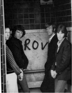 A Ship Of Fools : site francophone sur The Doors et Jim Morrison. Web site in French about The Doors and Jim Morrison. Blues Rock, Fallout, Ray Manzarek, Jim James, The Doors Jim Morrison, Vintage Doors, Antique Doors, Door Images, Love Band