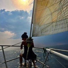 A playlist of the best songs for sailing, according to sailors. We are proud to share these tracks known as the best songs. The best songs in the world often… Continue Reading → Sailboat Living, Living On A Boat, Sailing Cruises, Sailing Trips, Bvi Sailing, Sailing Holidays, Sailing Adventures, Charter Boat, Paisajes