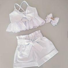 Stylish Dresses For Girls, Kids Outfits Girls, Little Girl Outfits, Cute Outfits For Kids, Cute Dresses, Short Dresses, Baby Girl Frocks, Frocks For Girls, Baby Girl Dresses
