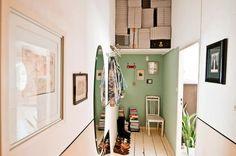 Hochwertig Altbauflur Mir Grüner Wand, Spiegel, Und Bildern. #hallway #Flur #corridor