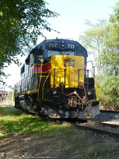 IAIS 717   Description:    Photo Date:  10/22/2011   Location:  Blue Island, IL   Author:  Jamie Joyce  Categories:  Yard  Locomotives:  IAIS 717(GP38-2)