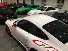 How many 911 RS'?