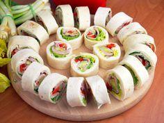 Szefowa w swojej kuchni. Finger Food Appetizers, Appetizer Recipes, Easy Snacks, Easy Meals, Fingers Food, Cooking Recipes, Healthy Recipes, Food Platters, Food Design