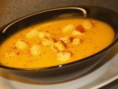 Supa crema de morcovi si cartofi cu crutoane (de post) - Rețetă Petitchef