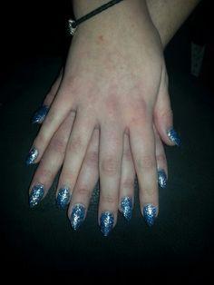 lovely frozen nails
