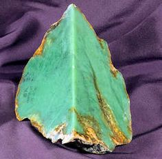 Find details and a picture of the Wyoming Gemstone or Gem, the Jade. Access Wyoming state minerals, rocks, and stones.