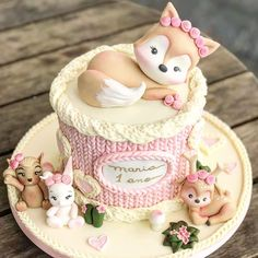 Discover our quick and easy recipe for Yoghurt Cake with Cook Expert on Current Cooking! Baby Cakes, Baby Shower Cakes, Pretty Cakes, Beautiful Cakes, Amazing Cakes, First Birthday Cakes, Birthday Cake Girls, Cupcakes, Cupcake Cookies