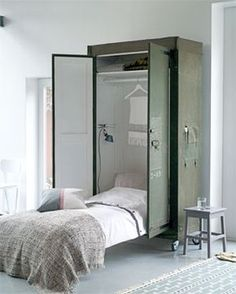 Great murphy bed