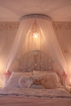 Little Girl Bedroom traditional-kids Bedroom Decor For Teen Girls, Cute Bedroom Ideas, Girl Bedroom Designs, Room Ideas Bedroom, Pastel Room, Pink Room, Dream Rooms, Dream Bedroom, Aesthetic Room Decor