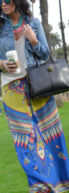 Blogger Cara in the SWELL Valley maxi skirt. http://www.swell.com/SWELL-VALLEY-PRINTED-MAXI-SKIRT