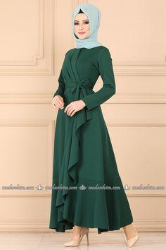 Modest Dresses, Stylish Dresses, Simple Dresses, Hijab Evening Dress, Hijab Dress Party, Abaya Fashion, Modest Fashion, Fashion Dresses, Abaya Mode