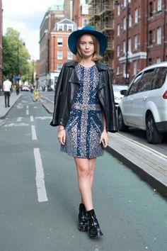 The 105 Best Street Style Pics From London Fashion Week: Cosmopolitan waysify